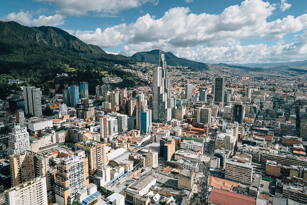 6 reasons to work with a foreign trade consultant when targeting business in Colombia