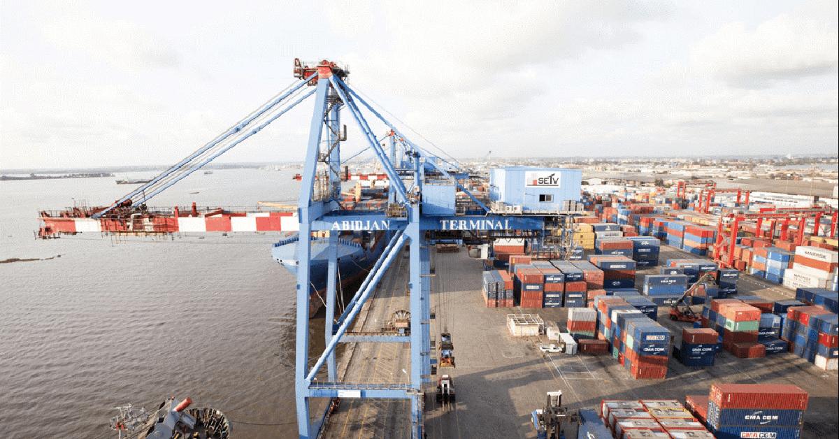 Puerto de Abidjan en Costa de Marfil azotado por el COVID-19